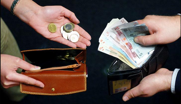 В Украине зарплата женщин составляет 80% от мужской