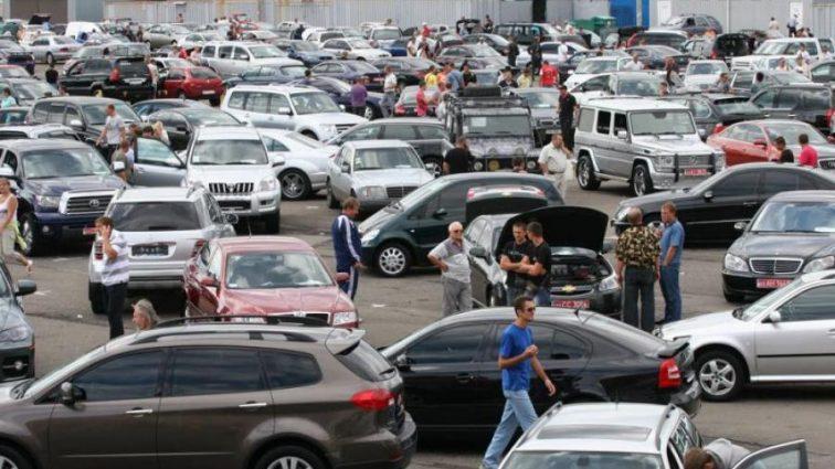 Украинцы бросились разметать новенькие авто