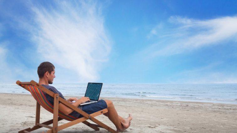 Работа мечты: $ 10 00 в месяц за фото, видео и отдых
