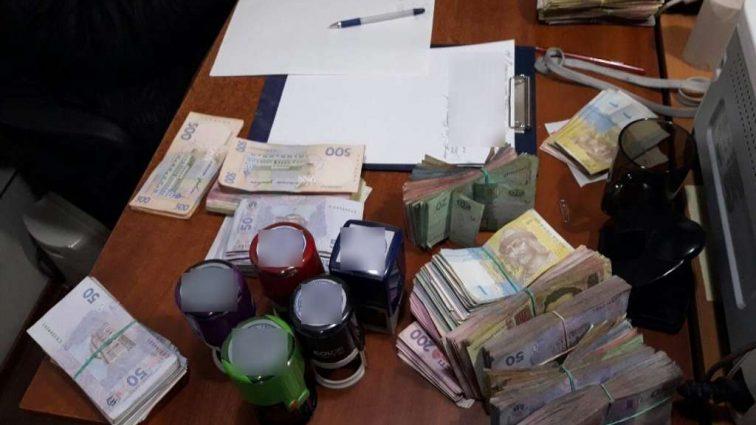 Там было все! Налоговики ликвидировали конвертационный центр с оборотом не менее 430 млн грн.