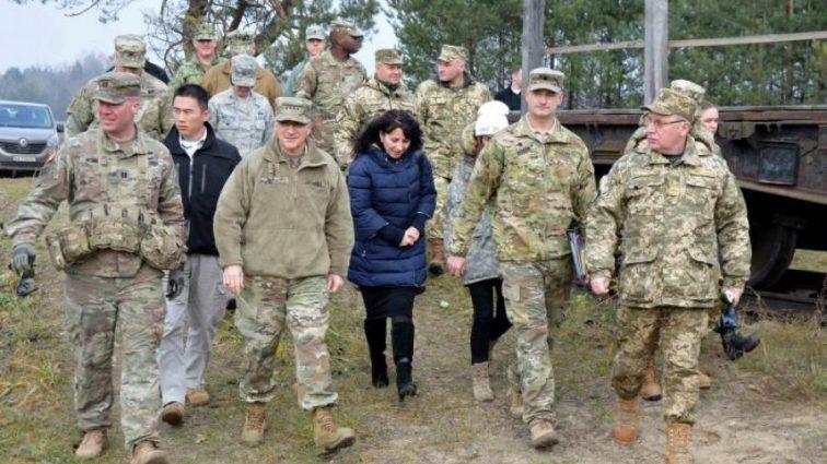 Трампу советуют дать Украине денег
