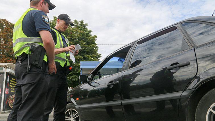 Новые изменения: Стало известно, как сейчас должны общаться водители авто с полицейскими