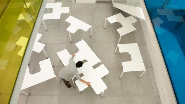 Забудьте о скучном офисе: китайцы придумали необычные офисные столы