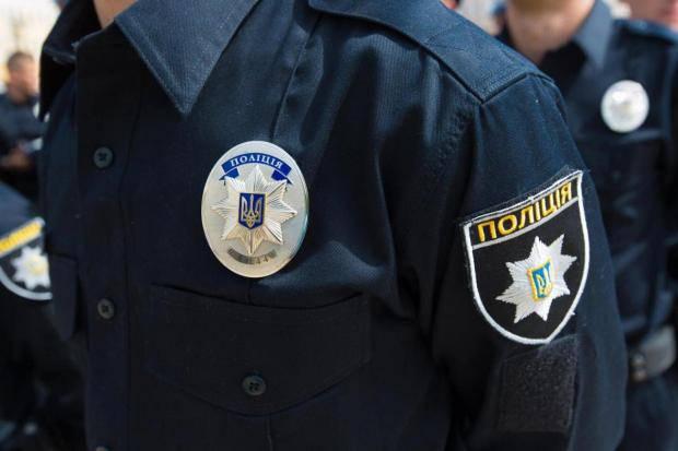 «Под «крышеванием «копов» — криминальные авторитеты безнаказанно перевозили наркотики и оружие