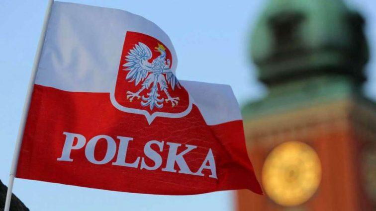 Польша вводит платные разрешения на работу: Что ждет украинских «заробитчан»