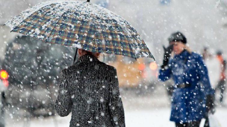 Будьте осторожны: во многих областях Украины объявлено штормовое предупреждение