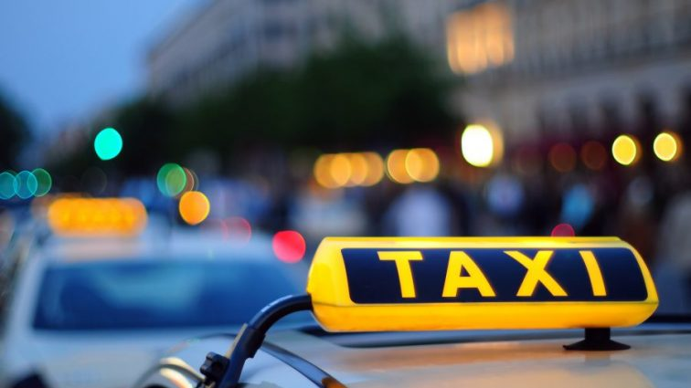Цены впечатляют: стало известно, сколько будет стоить такси в столице в новогодний период