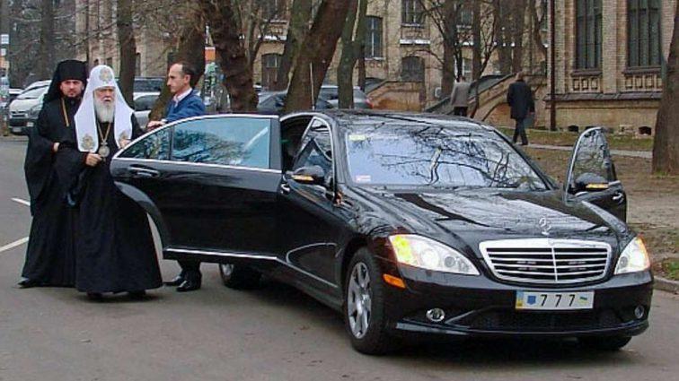 С 1 января украинские церкви освобождаются от налогов: Кому выгоден такой закон