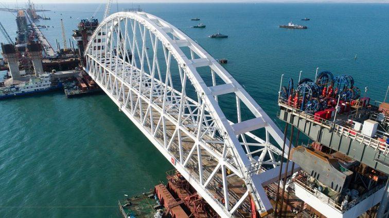 Керченский мост откроется: Министр транспорта России рассказал о сроках