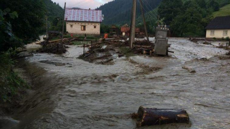 Наводнение на Закарпатье: целый регион на грани катастрофы