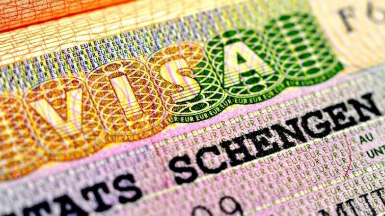 ВАЖНО! С Нового года правила подачи документов на шенгенскую визу меняются