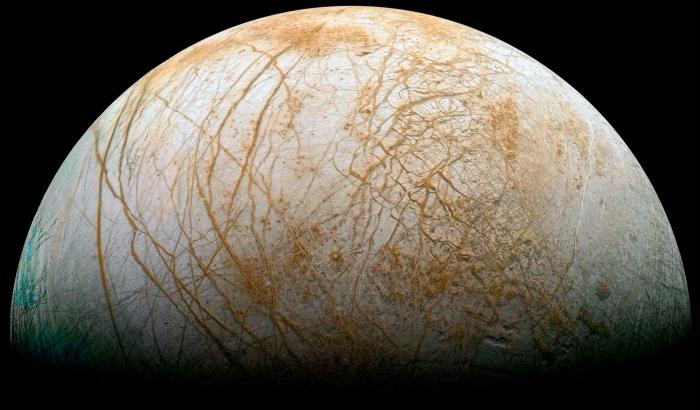 Астрономы показали уникальные фото заснеженного Марса