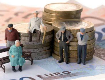 Начали сбор подписей: украинцев хотят лишить пенсий