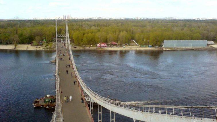 В Киеве планируют инвестконкурс на строительство канатной дороги с Почтовой площади на Труханов остров