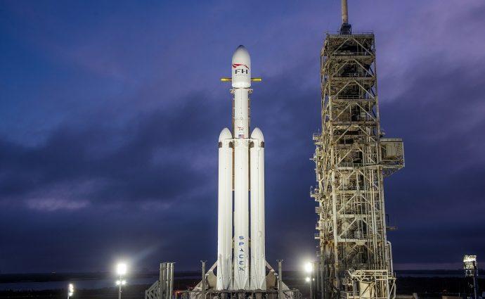 SpaceX планирует запустить ракету Falcon Heavy 6 февраля