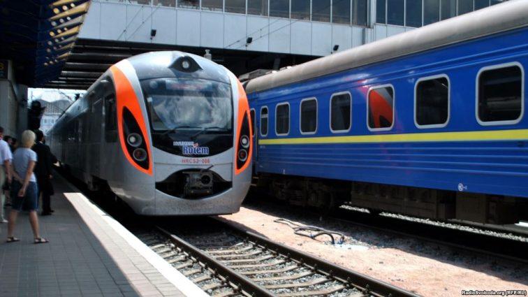 «Укрзализныця» хочет сделать платным Wi-Fi в «Интерсити +» и на вокзалах