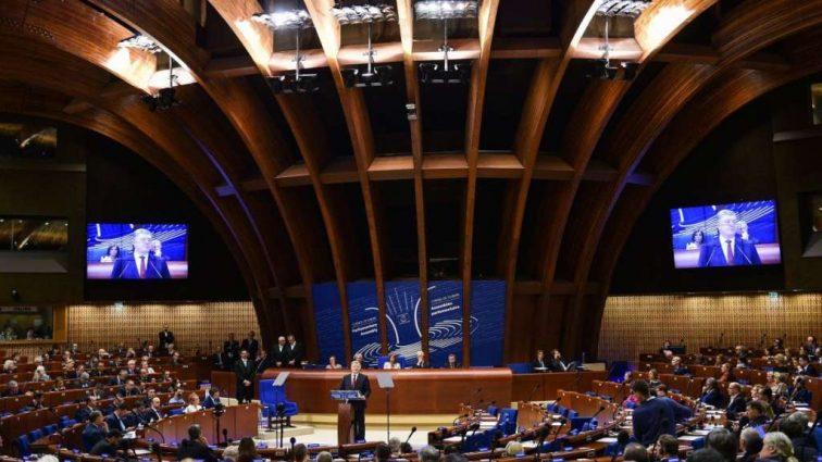 В ПАСЕ приняли резолюцию: скандальный закон Украины о языках