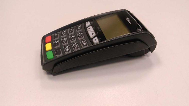 Всех предпринимателей обяжут установить платежные терминалы: Когда можно будет рассчитываться карточкой даже на рынках