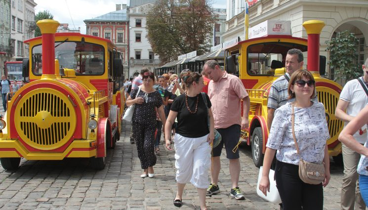 6 млн евро: сколько туристы ежегодно оставляют в Львове