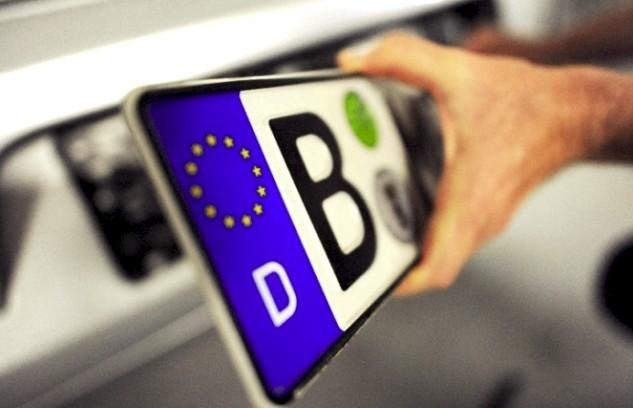 Премьер-министр высказался по поводу проблемы с автомобилями на еврономерах.
