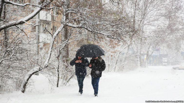 Непогода ударит с новой силой: Украина замерла в ожидании