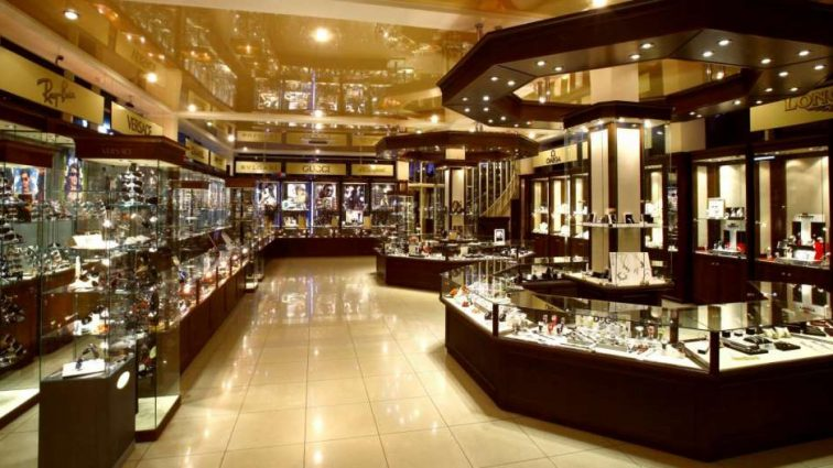 Откуда деньги: Украинцам, покупающих ювелирные изделия, будут устраивать допрос прямо в магазине!