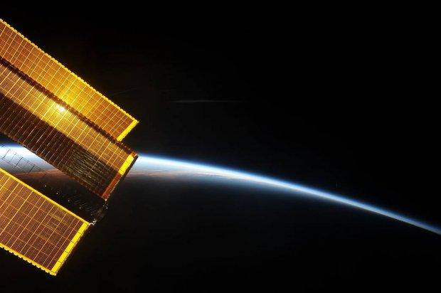 Какая красота: NASA  показала, как выглядит рассвет из космоса