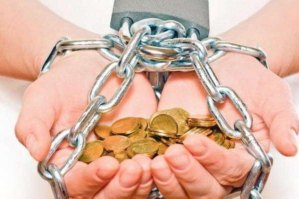 «4,5 тыс. долларов долга …»: Стало известно, сколько должен заплатить каждый работающий украинец