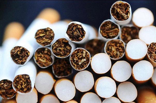 Курильщикам придется платить еще больше: сколько будут стоить сигареты?