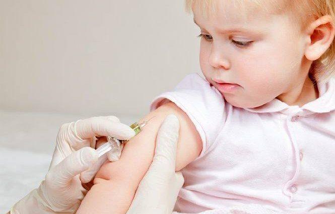 Насильственная вакцинация и заоблачные штрафы: как будут наказывать родителей, которые не делают детям прививки