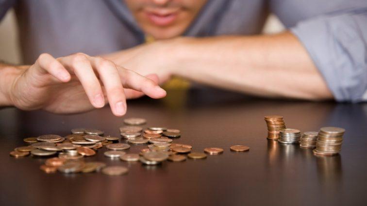 Будет расти быстрее, чем цены в магазинах: средняя зарплата в Украине вырастет
