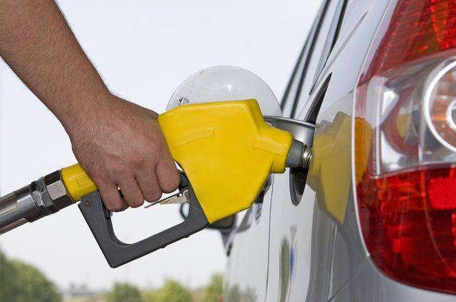 Цены впечатляют: эксперт предупредил о невероятном скачке цен на АЗС