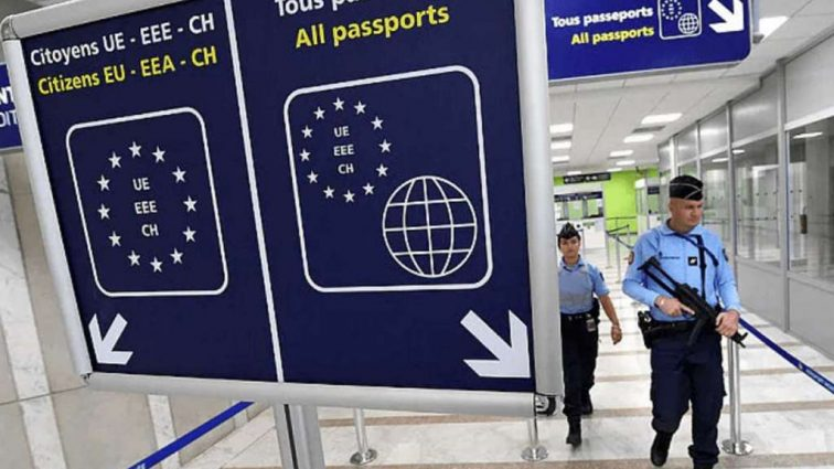 Неприятный сюрприз от ЕС: попасть в Шенгенскую зону украинцам станет сложнее