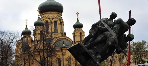 «А нужна ли она?»: Украинцы рассказали о последствиях декоммунизации