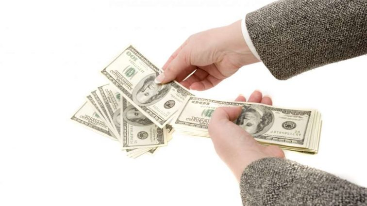 Кредитная сделка: на украинцах может повиснуть новый долг