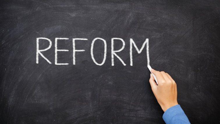 Мало времени: нардепы могут сорвать стратегически важную реформу. Она в корне изменит жизнь всех