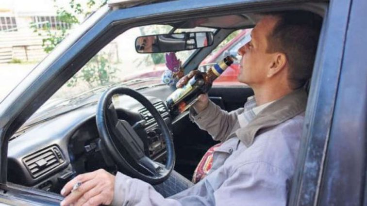 Названа новая стоимость: в Украине подорожают бензин, сигареты и алкоголь