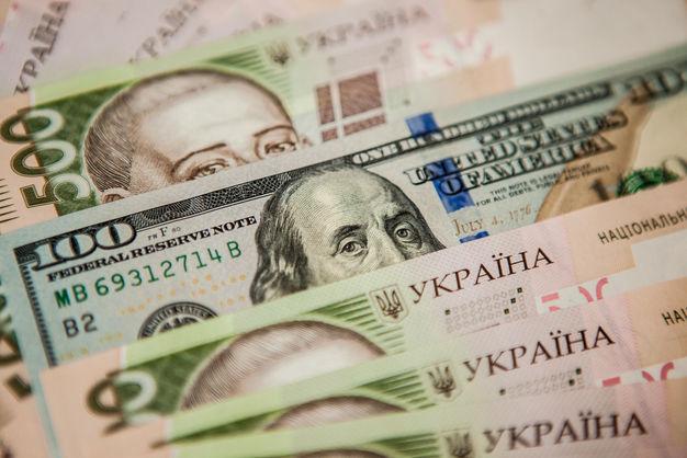 Доллар подешевел: официальный курс валют на вторник, 13 марта
