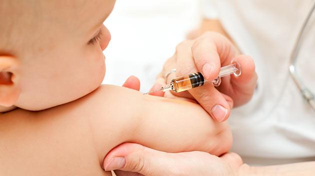 «Жизненно необходима для младенцев»: в Украине запретили популярную вакцину