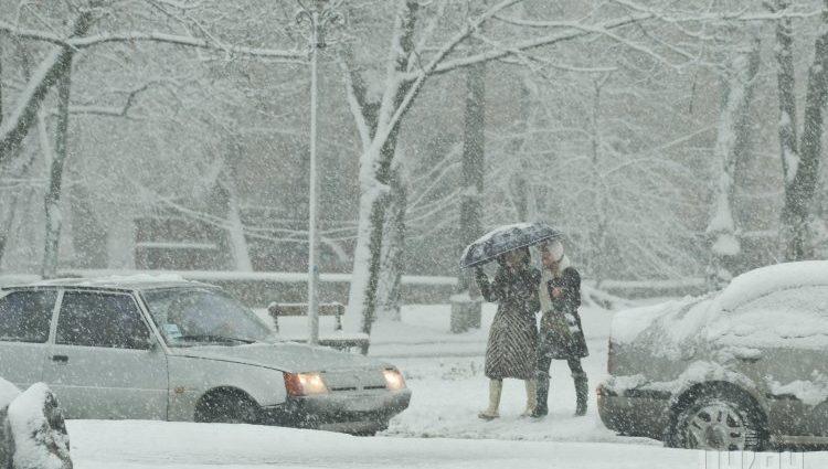 Сильный снег: в каких областях объявлено штормовое предупреждение