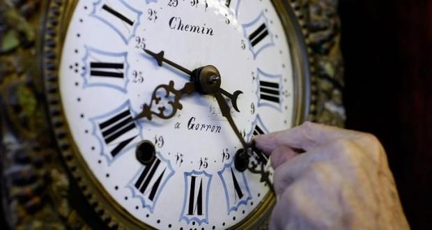 Переход на летнее время: когда украинцам переводить стрелки часов на час вперед