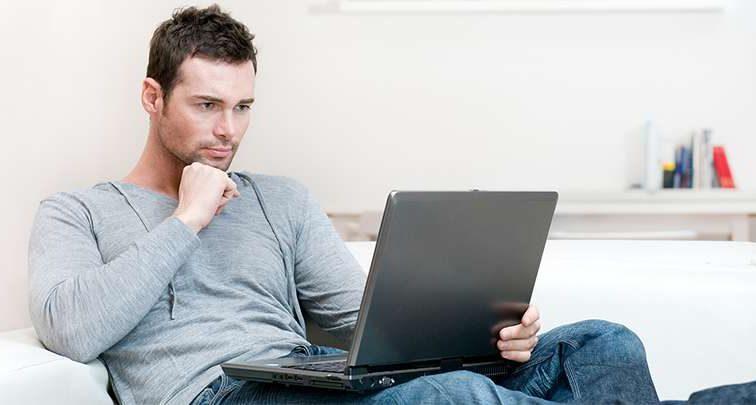 «Каждый заходит на этот сайт»: атакует новый компьютерный вирус