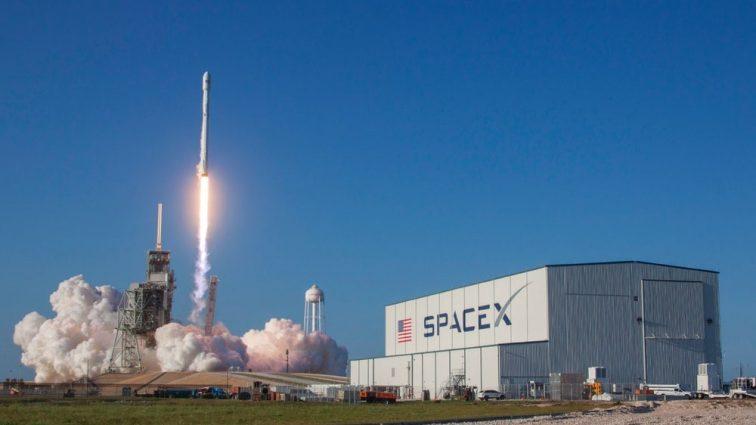 «SpaceX запустила новую ракету»: когда ждать 5G в Украине