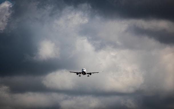 Украинская авиакомпания представила два первых самолета