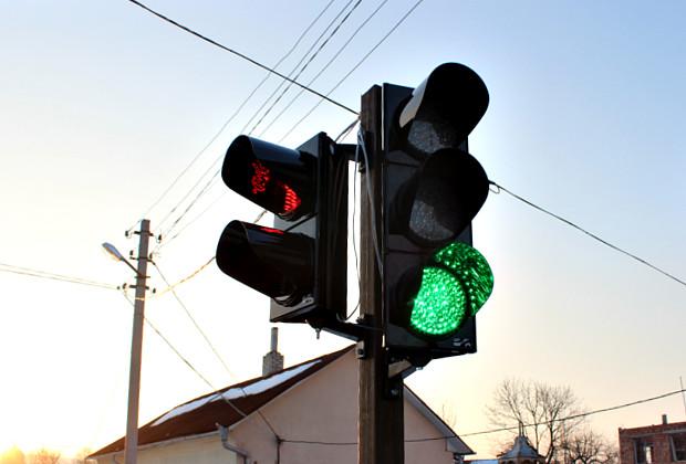 «Из-за ДТП»: в Украине хотят отменить желтый сигнал светофора