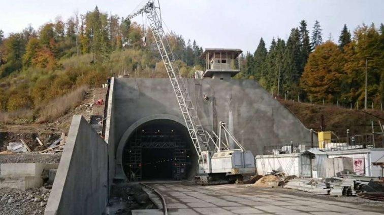 «Теперь мы еще ближе к ЕС» Порошенко сделал новое заявление об открытии Бескидского тоннеля