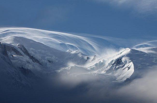 Стало известно, когда на Земле впервые пошел снег