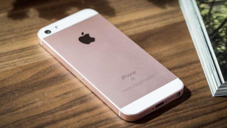 Айфоны заполонили рынок: топ-10 самых популярных смартфонов