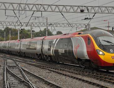 Запустили первый в мире поезд на аккумуляторах