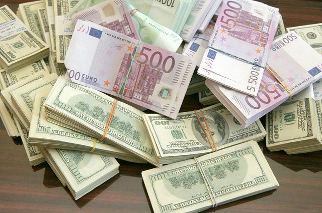 «Украинцы больше продают валюты, чем покупают»: узнайте детали